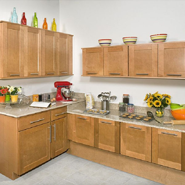 Shaker Cinamon Maple Kitchen Cabinets